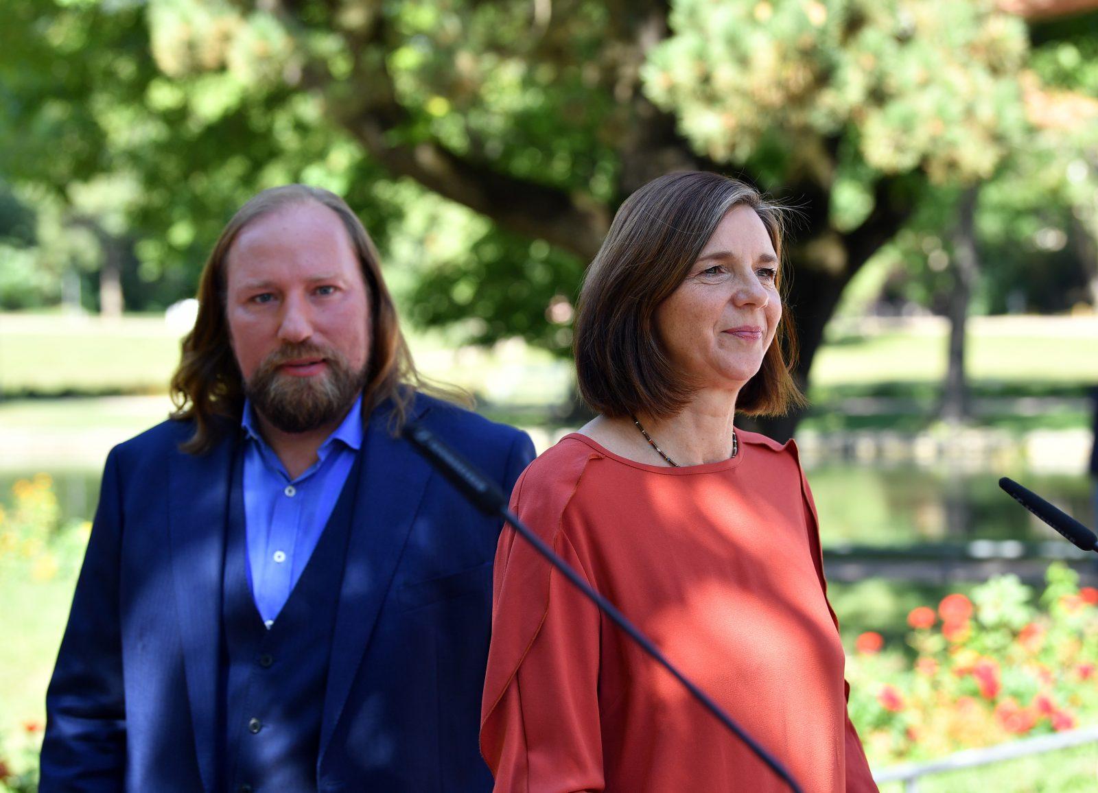 Die Vorsitzenden der Grünen-Bundestagsfraktion, Katrin Göring-Eckardt und Anton Hofreiter Foto: picture alliance/Martin Schutt/dpa-Zentralbild/dpa