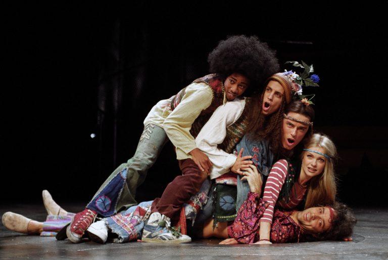 """Szene aus dem Musical """"Hair"""" aus einer Londoner Aufführung (Archivbild) Foto: picture-alliance / empics"""