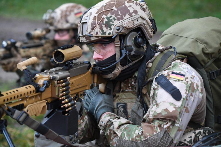 Soldaten des Kommando Spezialkräfte während einer Übung (Archivbild) Foto: picture alliance/Carsten Rehder/dpa