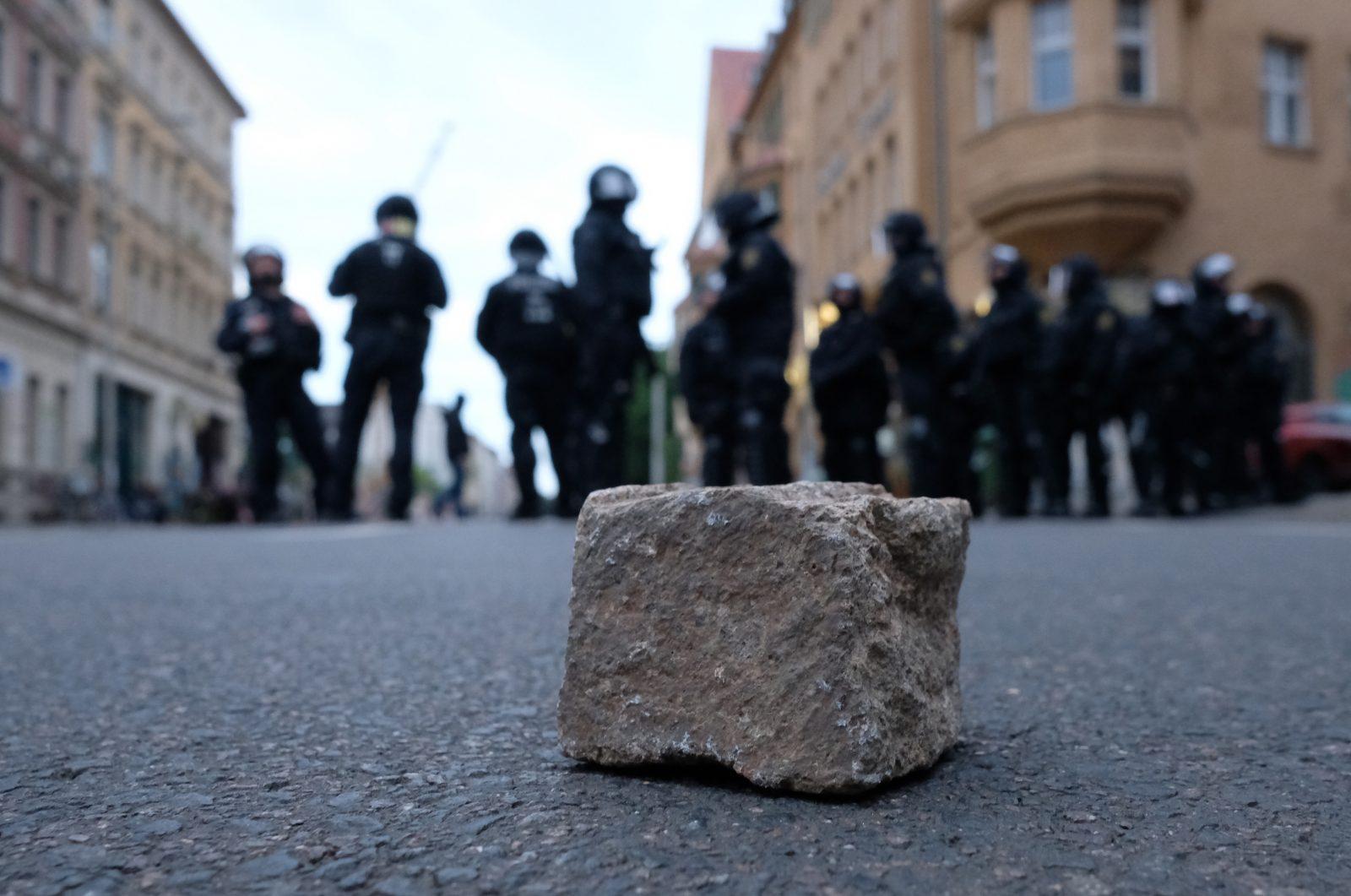 Polizeieinsatz wegen linksextremer Demonstration in Connewitz (Archivbild) Foto: picture alliance/Sebastian Willnow/dpa-Zentralbild/dpa