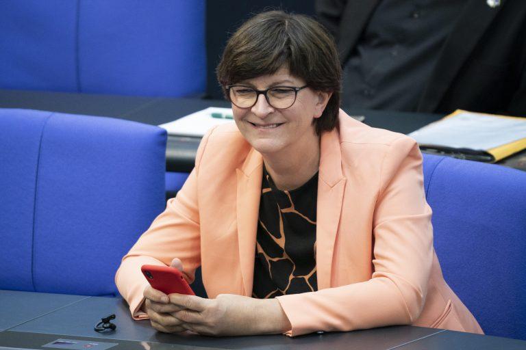 Die SPD-Vorsitzende Saskia Esken setzt auf ihr bewährtes Mittel des Generalverdachts gegen Polizisten Foto: picture alliance