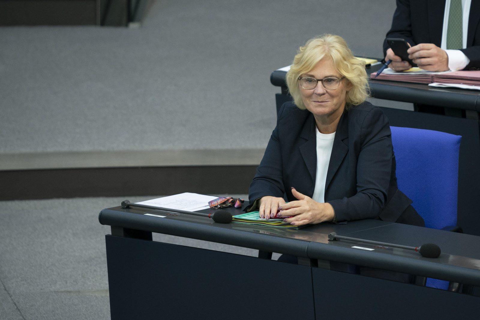 Bundesjustizministerin Christine Lambrecht (SPD) verurteil Gaffer- und Spannerfotos Foto: picture alliance