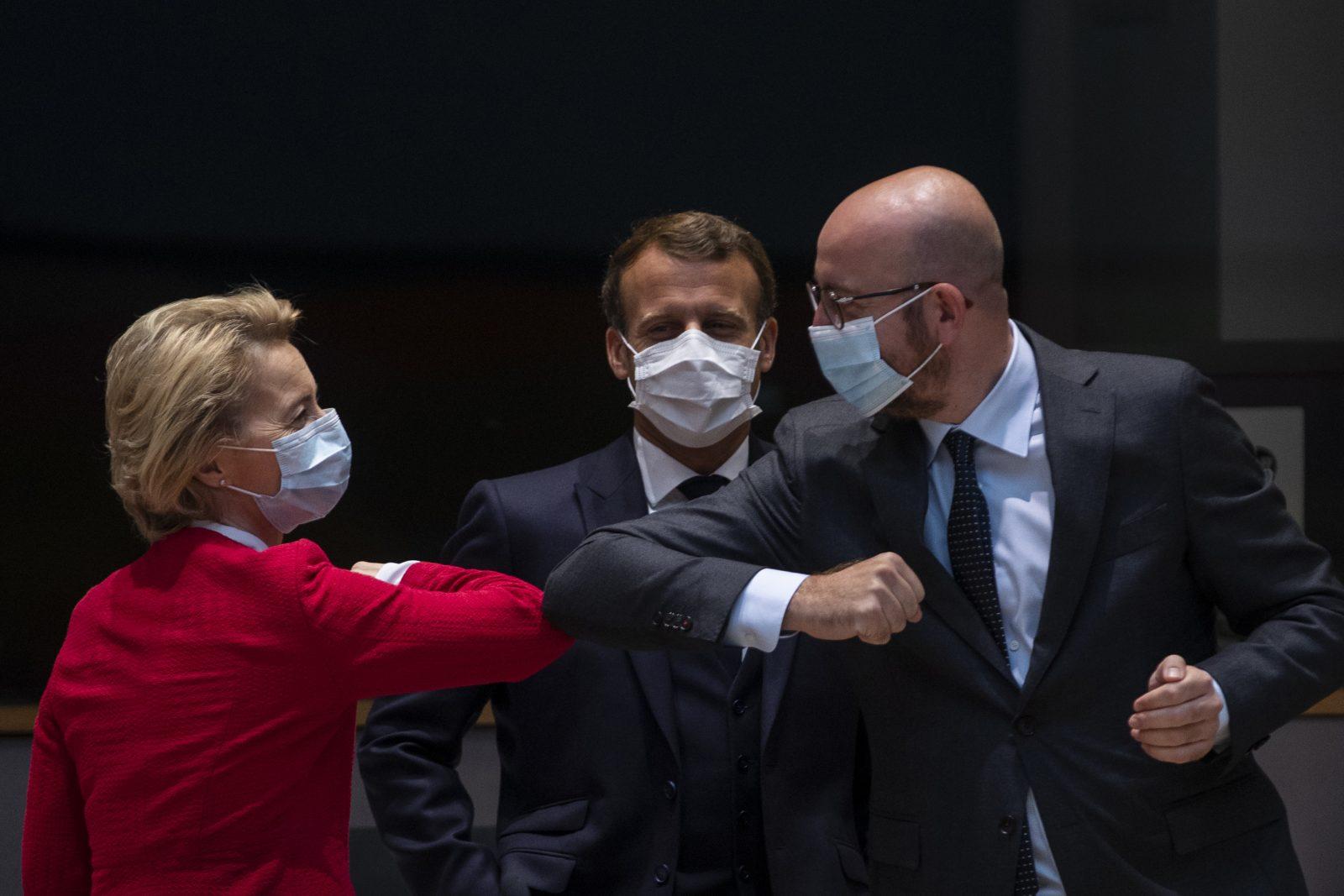 Ursula von der Leyen (v.l.), Emmanuel Macron und Charles Michel