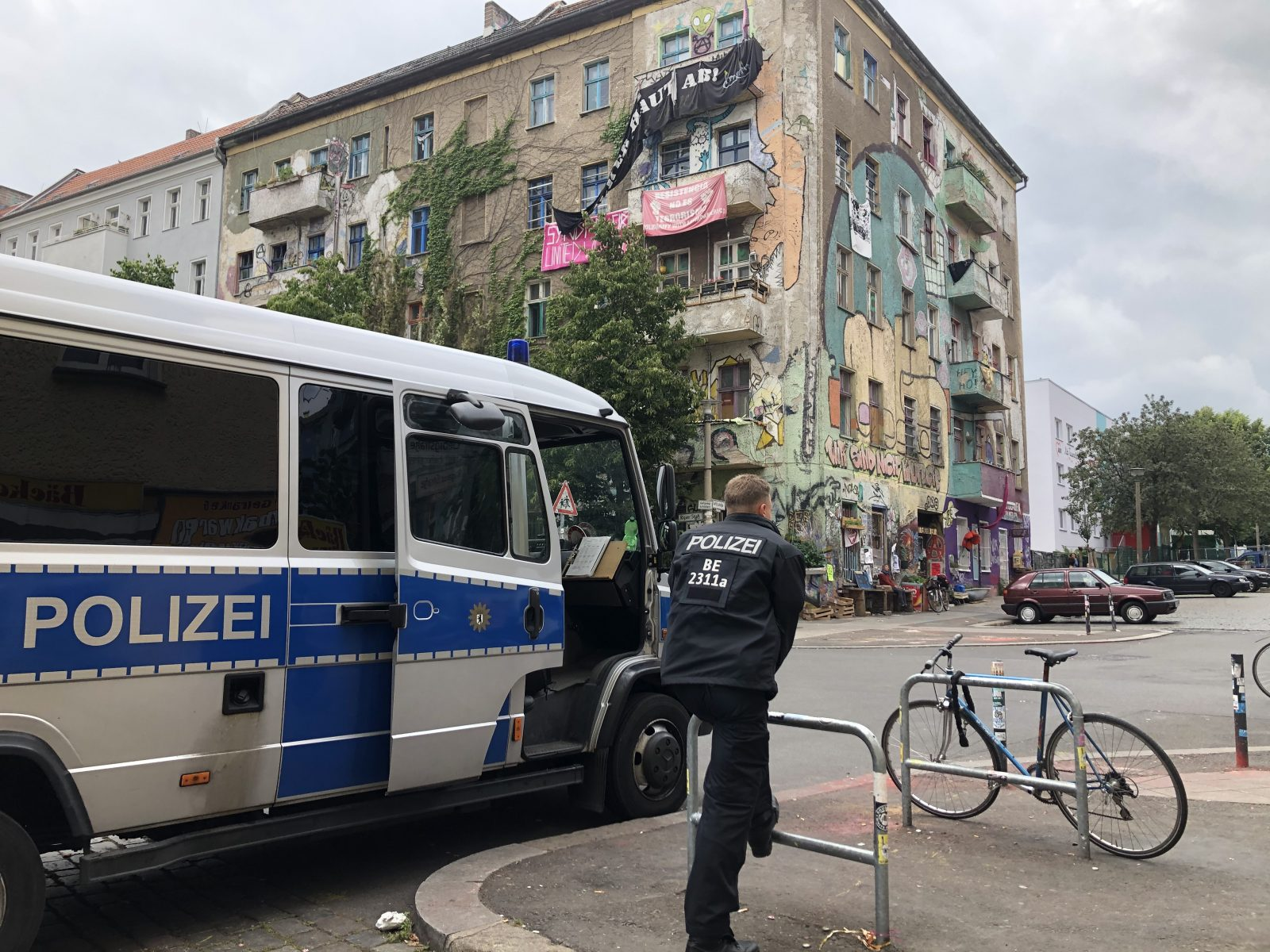 "Polizeieinsatz am ""Dorfplatz"""