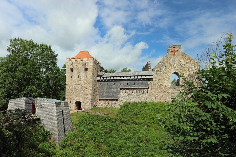 Front der teilweise rekonstruierten Burg von Sigulda / Segewold, die ursprünglich vom Schwertbrüderorden errichtet wurde Foto: Privat