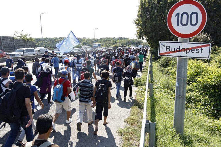 Migrantenstrom 2015 in Richtung Deutschland Foto: picture alliance/Zoltan Balogh/epa/dpa