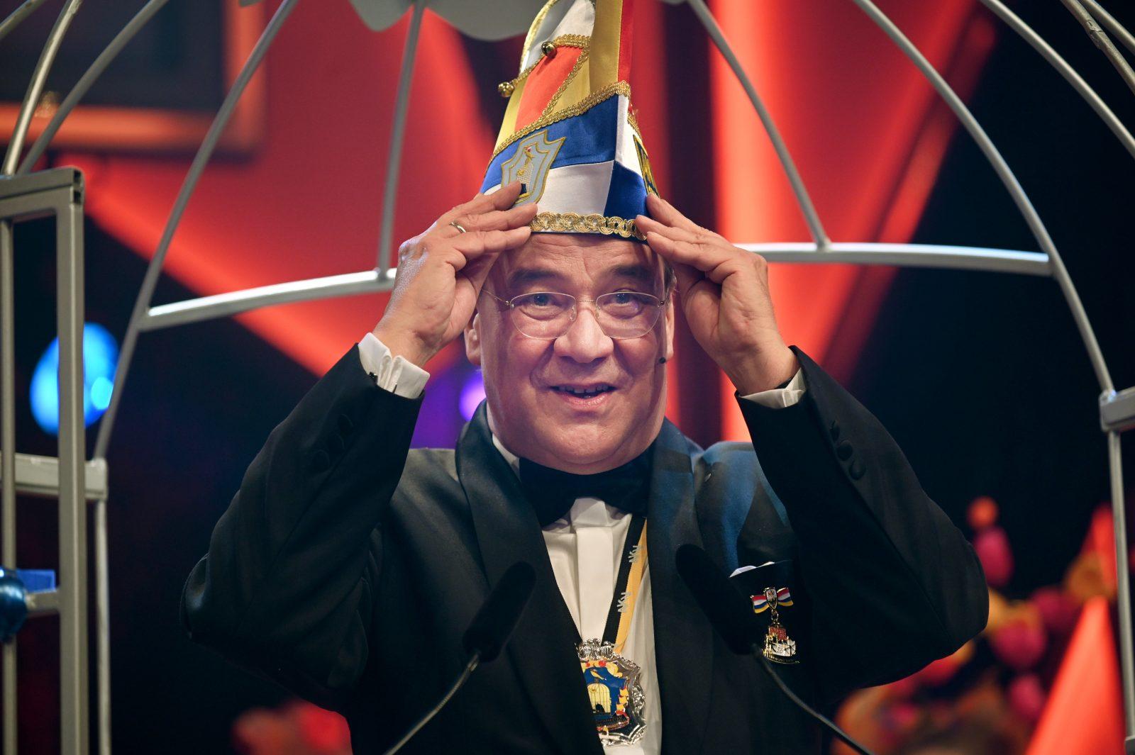 Nordrhein-Westfalens Ministerpräsident Armin Laschet (CDU) während der diesjährigen Karnevalssaison Foto: picture alliance/Henning Kaiser/dpa
