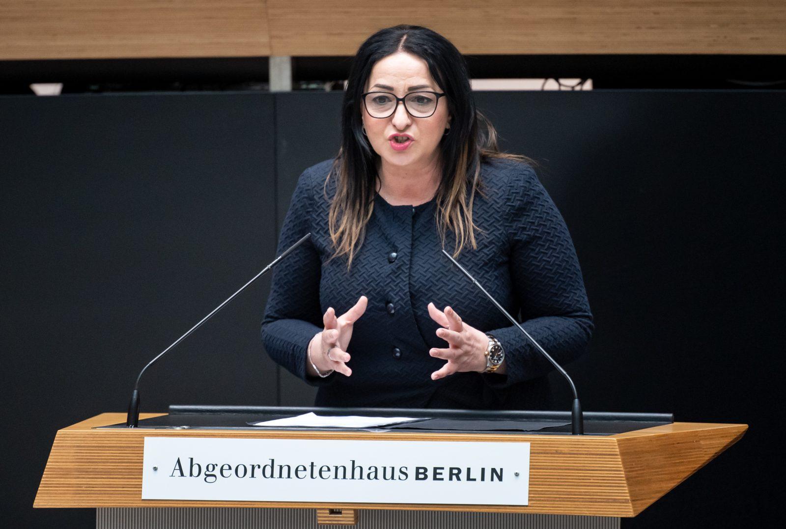 Berlins Gesundheitssenatorin Dilek Kalayci (SPD) will doch kein Alkoholverbot in der Hauptstadt Foto: picture alliance/Bernd von Jutrczenka/dpa