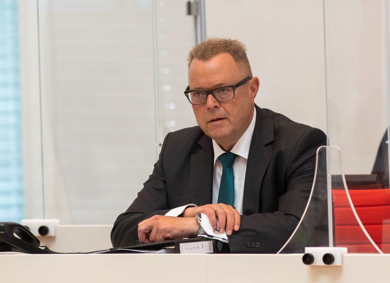 Brandenburgs Innenminister Michael Stübgen (CDU) will Extremismus durch ein Meldetelefon bekämpfen Foto: picture alliance/Christophe Gateau/dpa/ZB