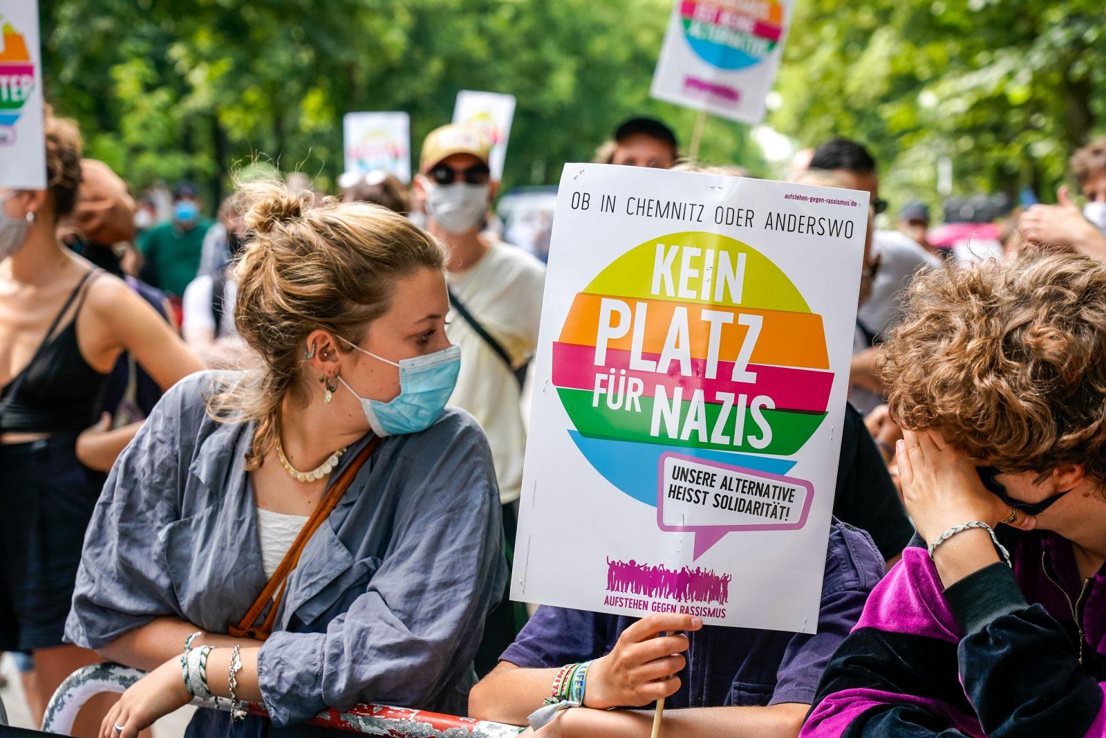 Die Proteste gegen die sogenannten Corona-Demonstrationen sollen erlaubt sein Foto: picture alliance/SULUPRESS.DE