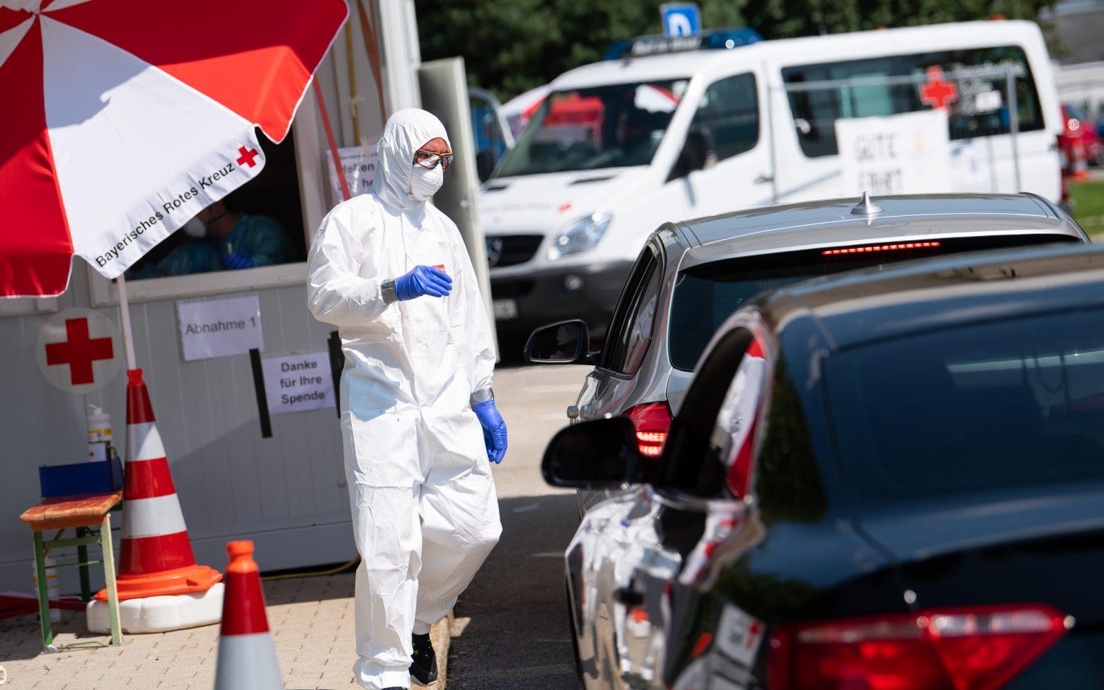 Das Rote Kreuz testet Urlaubsrückkehrer in Bayern auf das Corona-Virus: Ergebnisse wurden nicht weitergeleitet Foto: picture alliance/Sven Hoppe/dpa