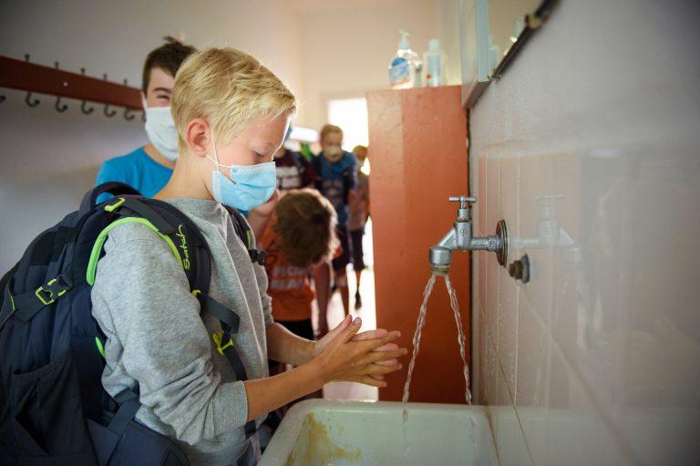 In einigen Bundesländern wie Schleswig-Holstein öffnen die Schulen wieder unter dem Eindruck der Corona-Krise Foto: picture alliance/Gregor Fischer/dpa