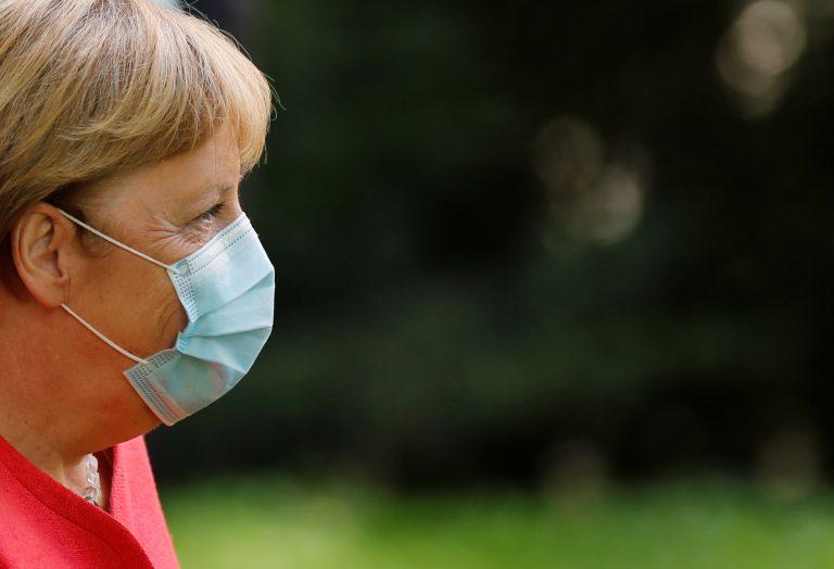 Merkel mit Corona-Mundschutz