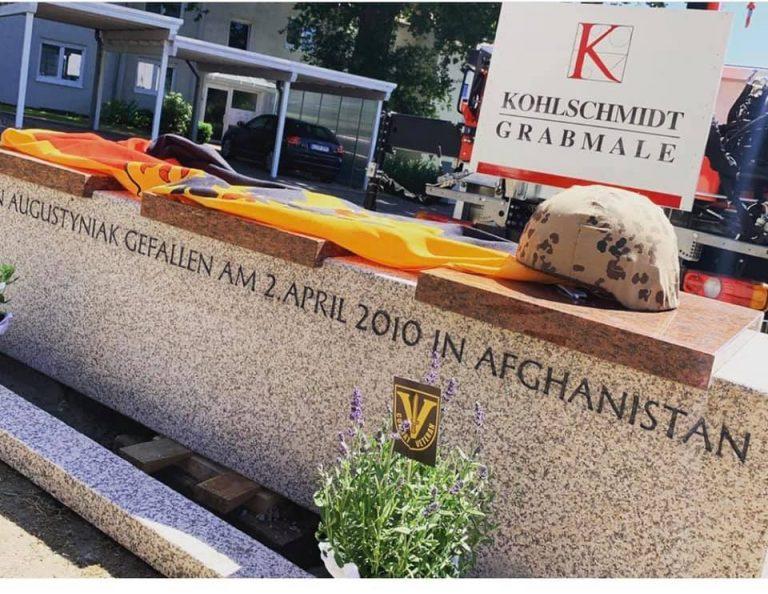 Gedenkbank für gefallenen Soldaten Martin Augustyniak in Bielefeld