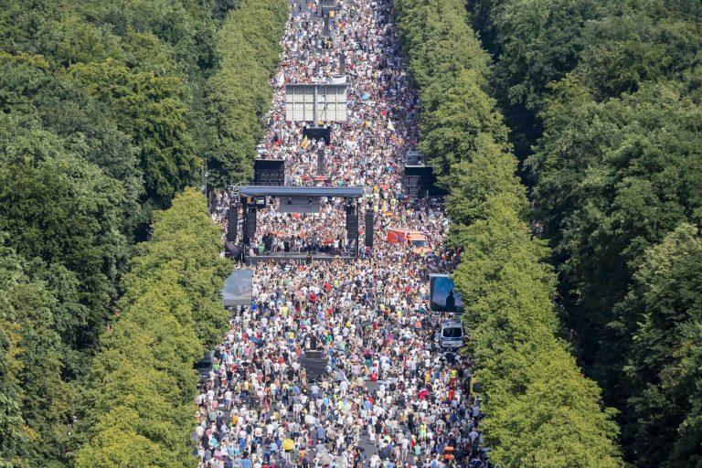 Corna-Demo: Teilnehmerzahl wächst