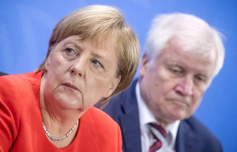 Kanzlerin Angela Merkel (CDU) und Innenminister Horst Seehofer (CSU): Aufnahme von Moria-Migrantne