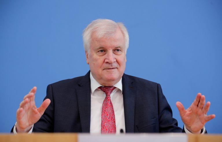 Horst Seehofer (CSU) will gegen Islamfeindlichkeit vorgehen
