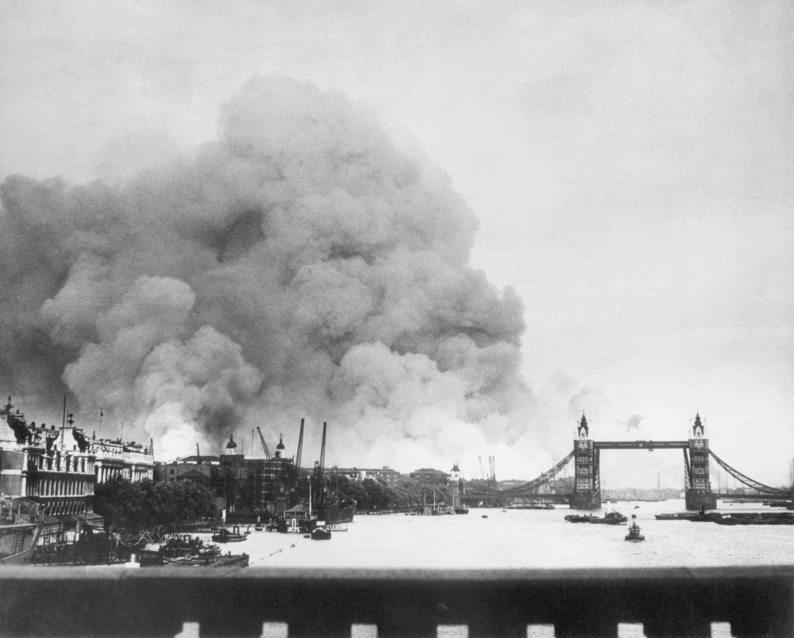 London brennt nach einem deutschen Luftangriff im September 1940 Foto: picture-alliance / akg-images