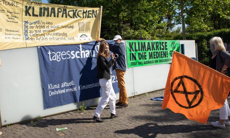 Radikale Klimaschützer for NDR-Gebäude