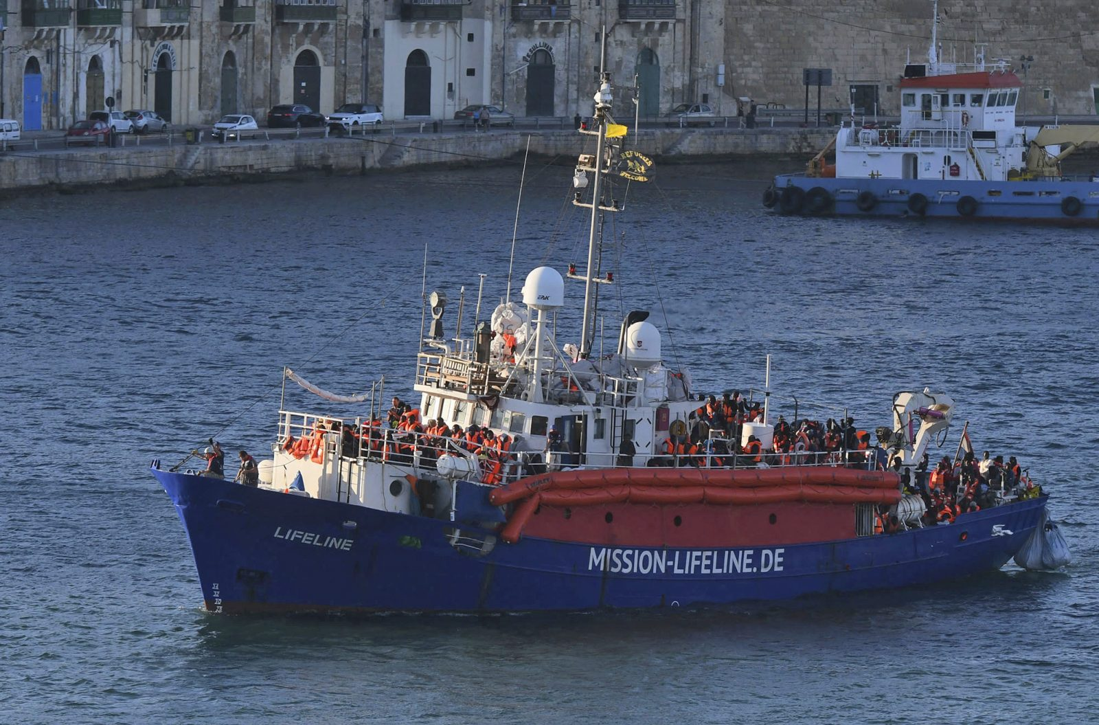 """""""Mission Lifeline"""" bringt Migranten nach Malta"""
