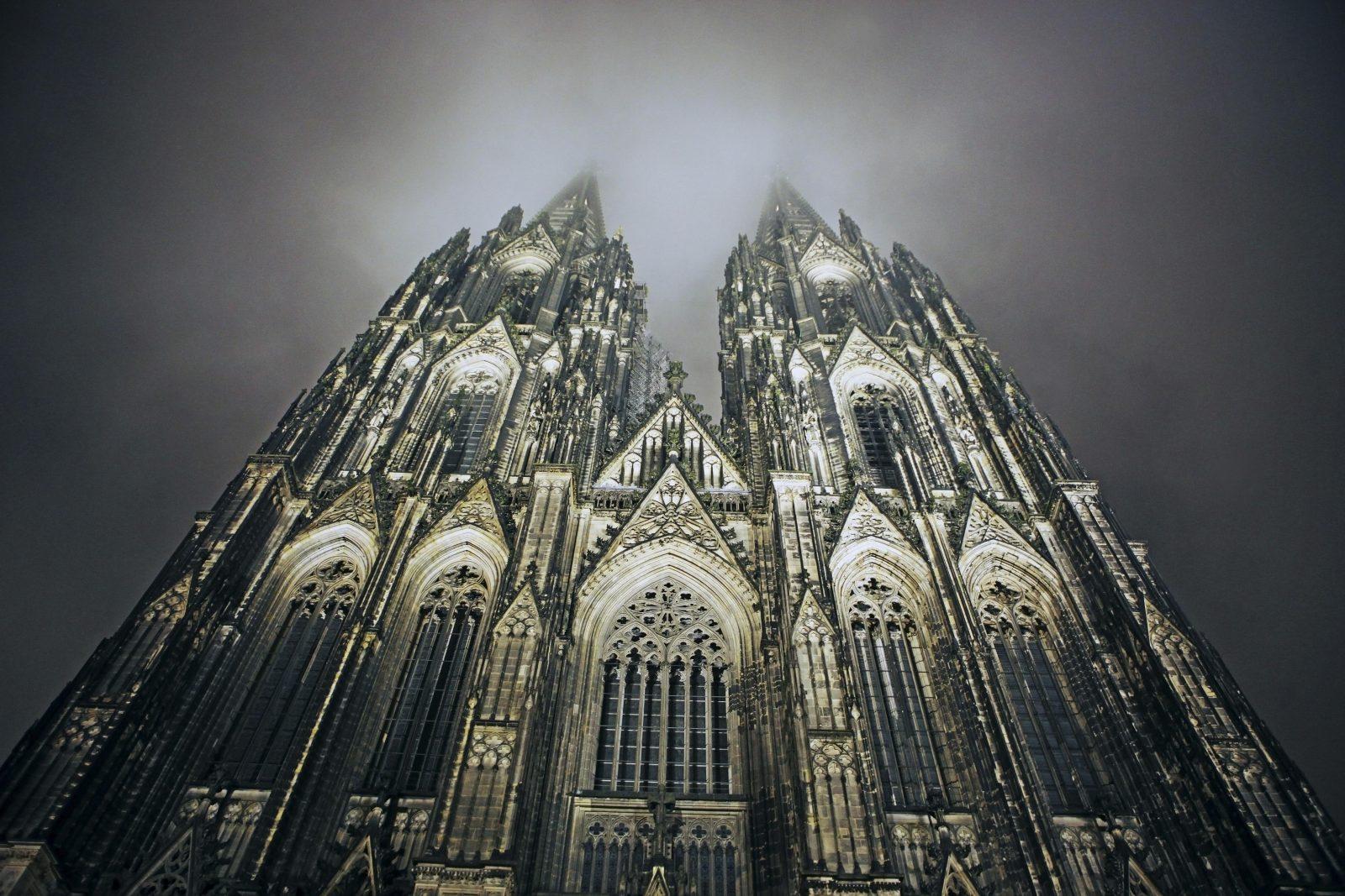 Der Kölner Dom, das Wahrzeichen der Rheinmetorpole Foto: picture alliance/imageBROKER
