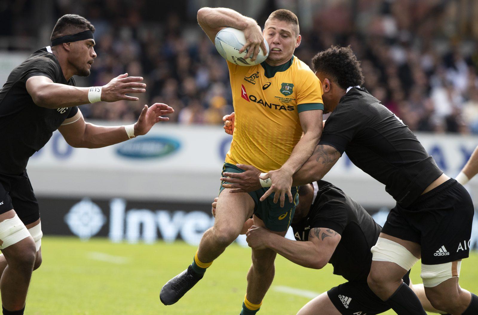 Die Rugby Nationalmannschaften von Neuseeland und Australien treffen aufeinander: Niemand käme auf die Idee, beim Rugby Männer in Frauenteams spielen zu lassen Foto: picture alliance / AP Images