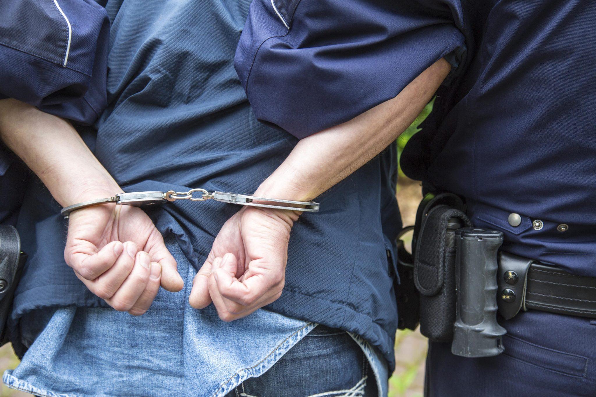 Festnahme: Die Berliner Polizei verdächtigt einen syrischen Flüchtling der Mitgliedschaft in einer islamistischen Terrorganisation (Symbolbild)