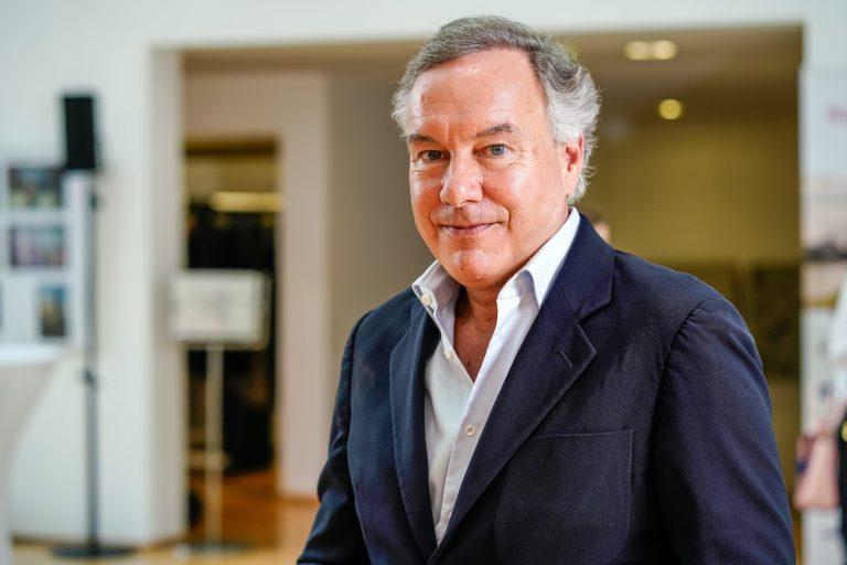 Ufa-Geschäftsführer Nico Hofmann: Die Produktionsfirma erlegt sich eine Selbstverpflichtung zu mehr Diversität auf