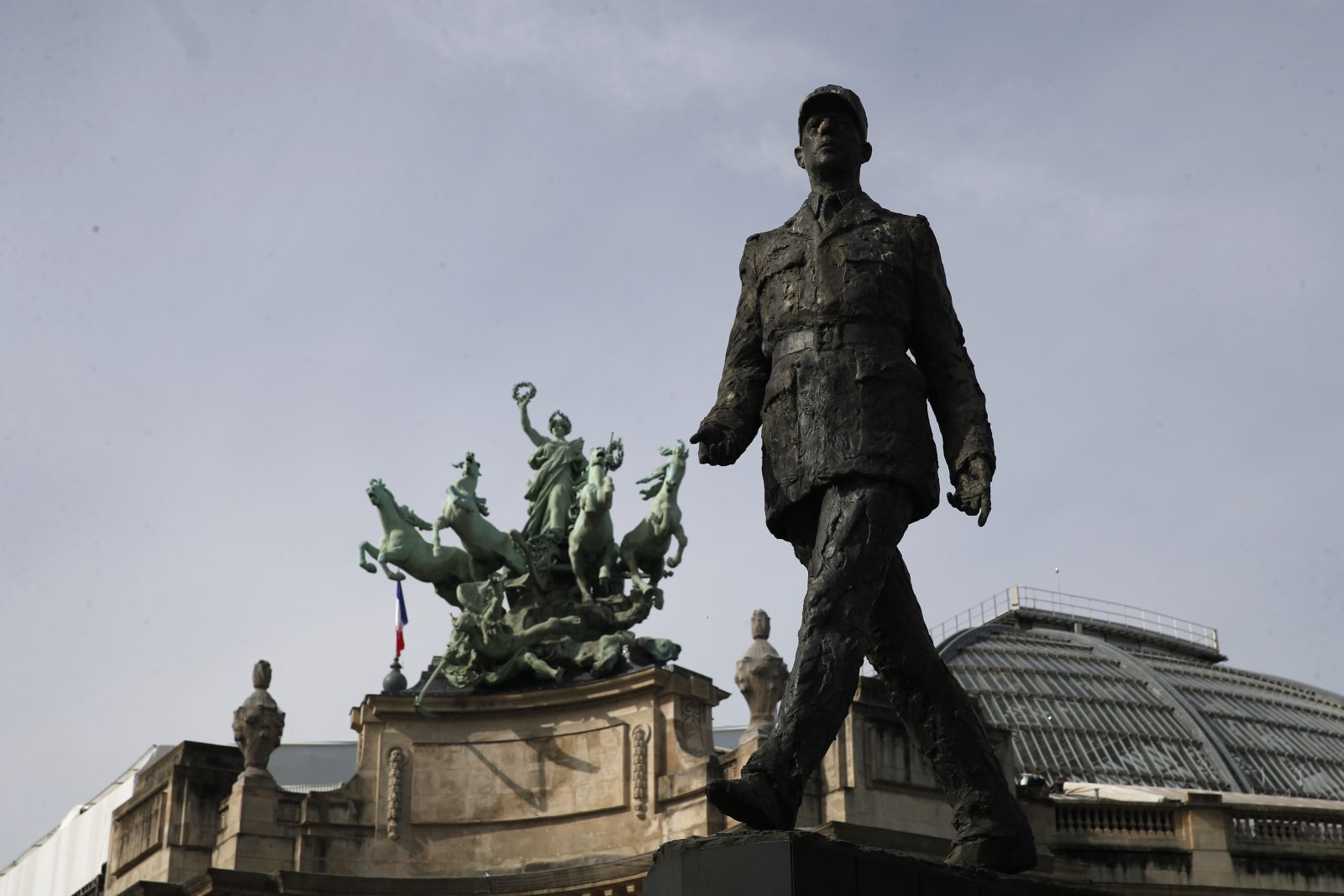 Statue von Charles de Gaulle in Paris Foto: picture alliance / AP Photo