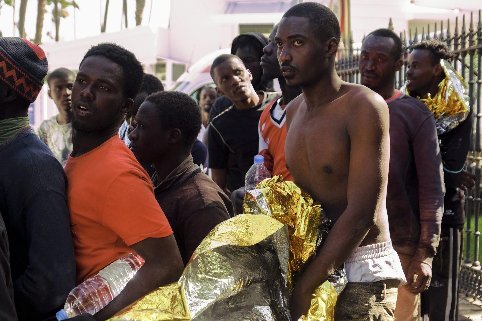 Afrikanische Migranten nach ihrer Ankunft in Gran Canaria: Die Kanaren verzeichneten am vergangenen Wochenende mehr als 2.000 Ankömmlinge