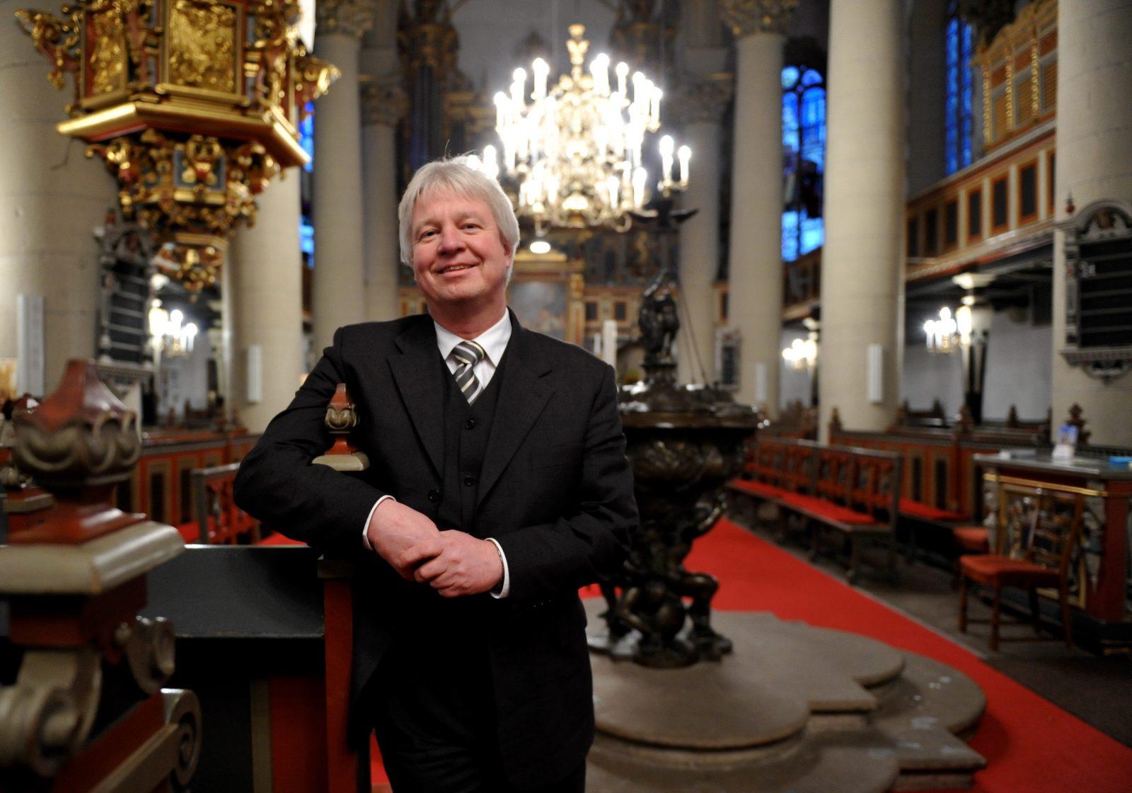 Landesbischof Karl-Hinrich Manzke: Letzte evangelische Landeskirche für Homo-Segnung