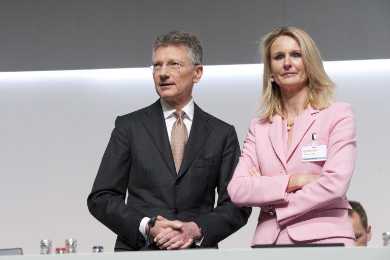 Der Vorstandsvorsitzende der Continental Elmar Degenhart und das Vorstandsmitglied Ariane Reinhart: Vorstandsfrauen bei SDax-Unternehmen verdienen erstmals mehr als Männer
