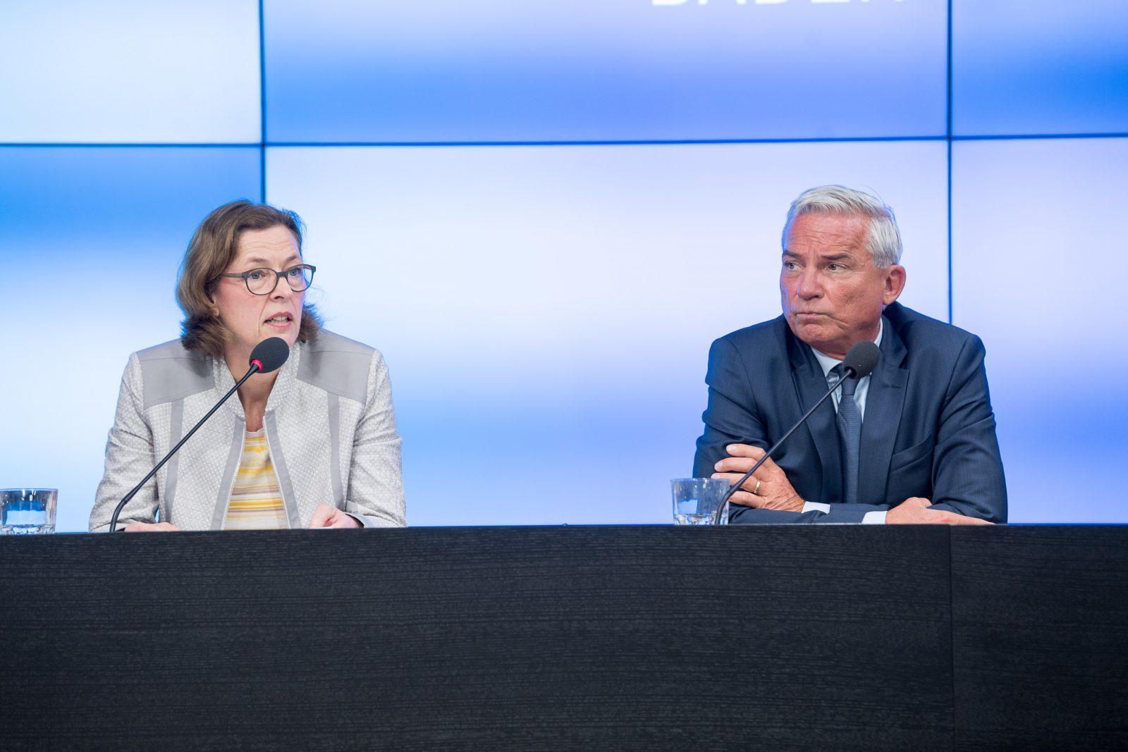 Baden-Württembergs Verfassungsschutzpräsidentin Beate Bube ubd der Innenminister des Landes, Thomas Strobl (CDU)