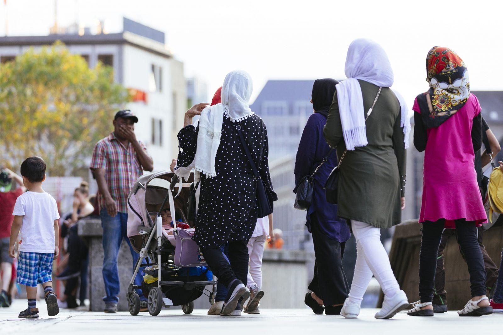 Frauen mit Kindern: Migrationspolitiker der SPD wollen den Familiennachzug ausweiten