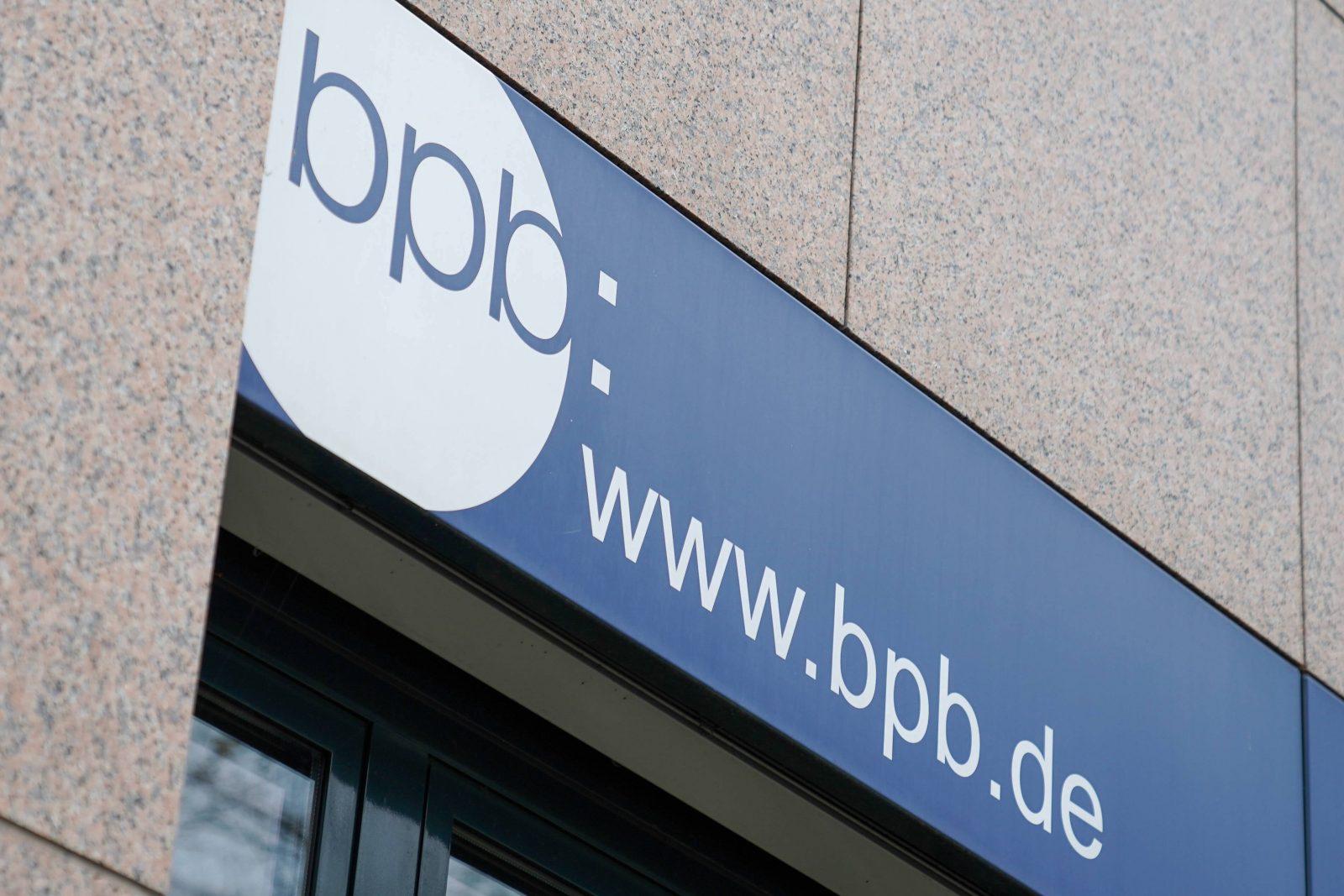 """Bundeszentrale für politische Bildung: Weitet """"Kampf gegen Rechts"""" aus"""