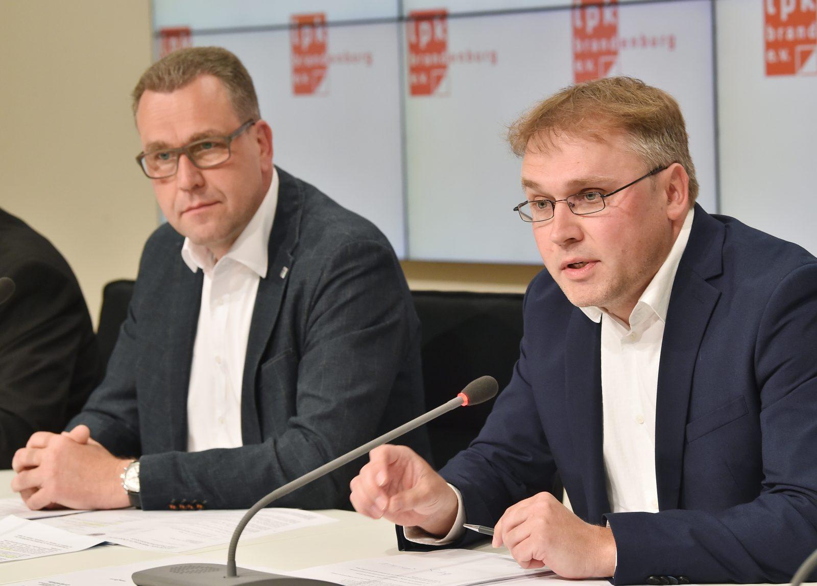 Der Kreisvorsitzende der Linkspartei in der Lausitz, Matthias Löhr (rechts): Er will zwei Parteikollegen rauswerfen, weil sie gemeinsam mit der AfD für einen Antrag gestimmt haben