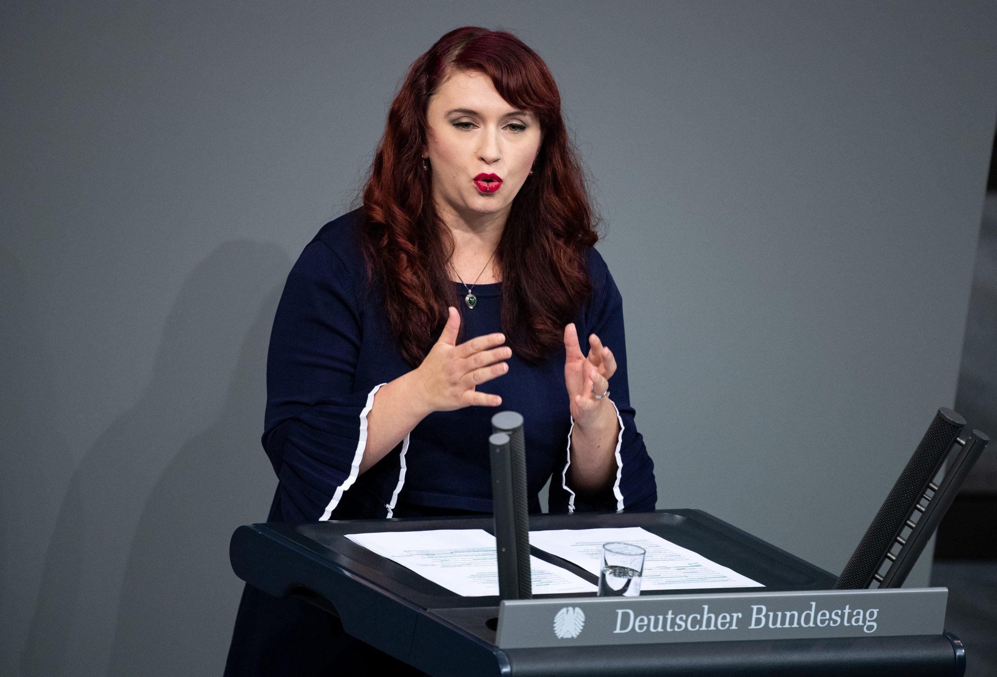Grünen Fraktionsvize Agnieszka Brugger: Die Beteiligung von Frauen bei Friedenseinsätzen sorge dafür, daß Konflikte schneller gelöst würden