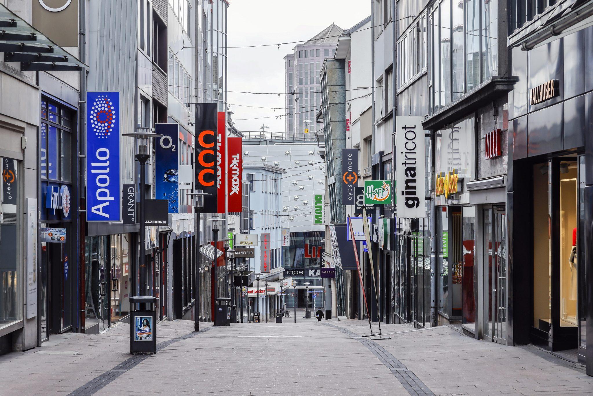 """Menschenleere Einkaufsstraße in Essen: """"Lockdown"""" mit massiven Folgen"""