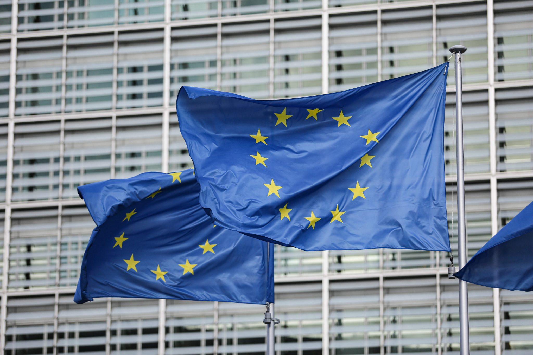 EU-Flaggen in Brüssel: Gegen universalistische Gebilde und Ideologien bringt Yoram Hazony den Nationalismus in Stellung (Symbolbild) Foto: picture alliance / NurPhoto   Nicolas Economou