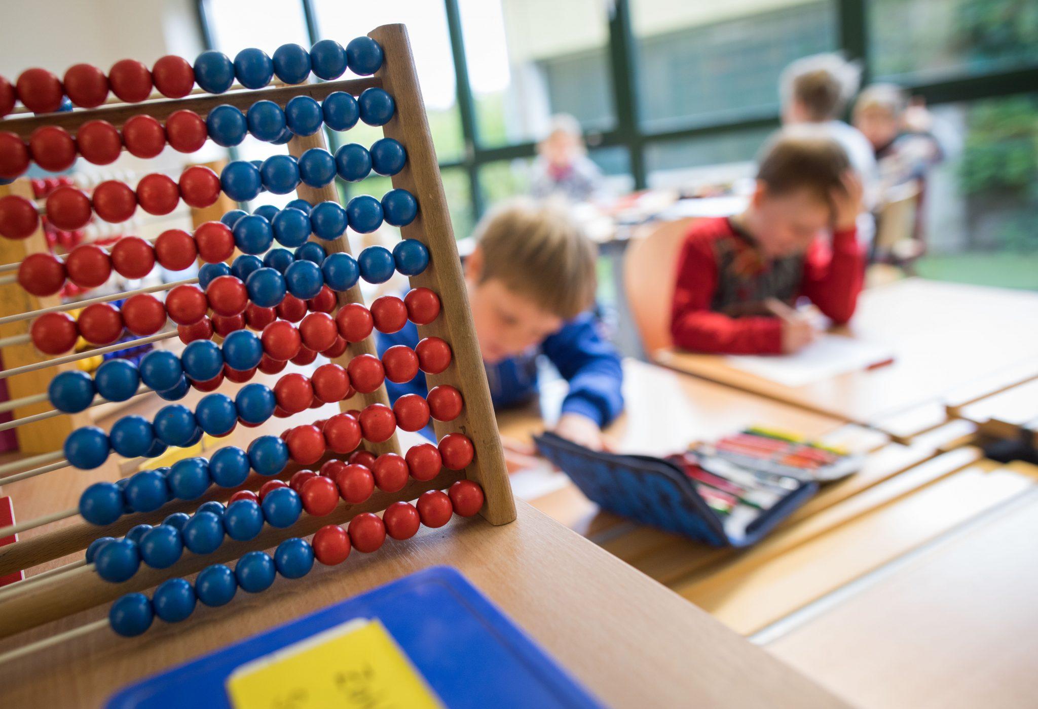 Mathematikunterricht: Die Leistungsunterschiede zwischen Kindern mit und ohne Migrationshintergrund sind groß