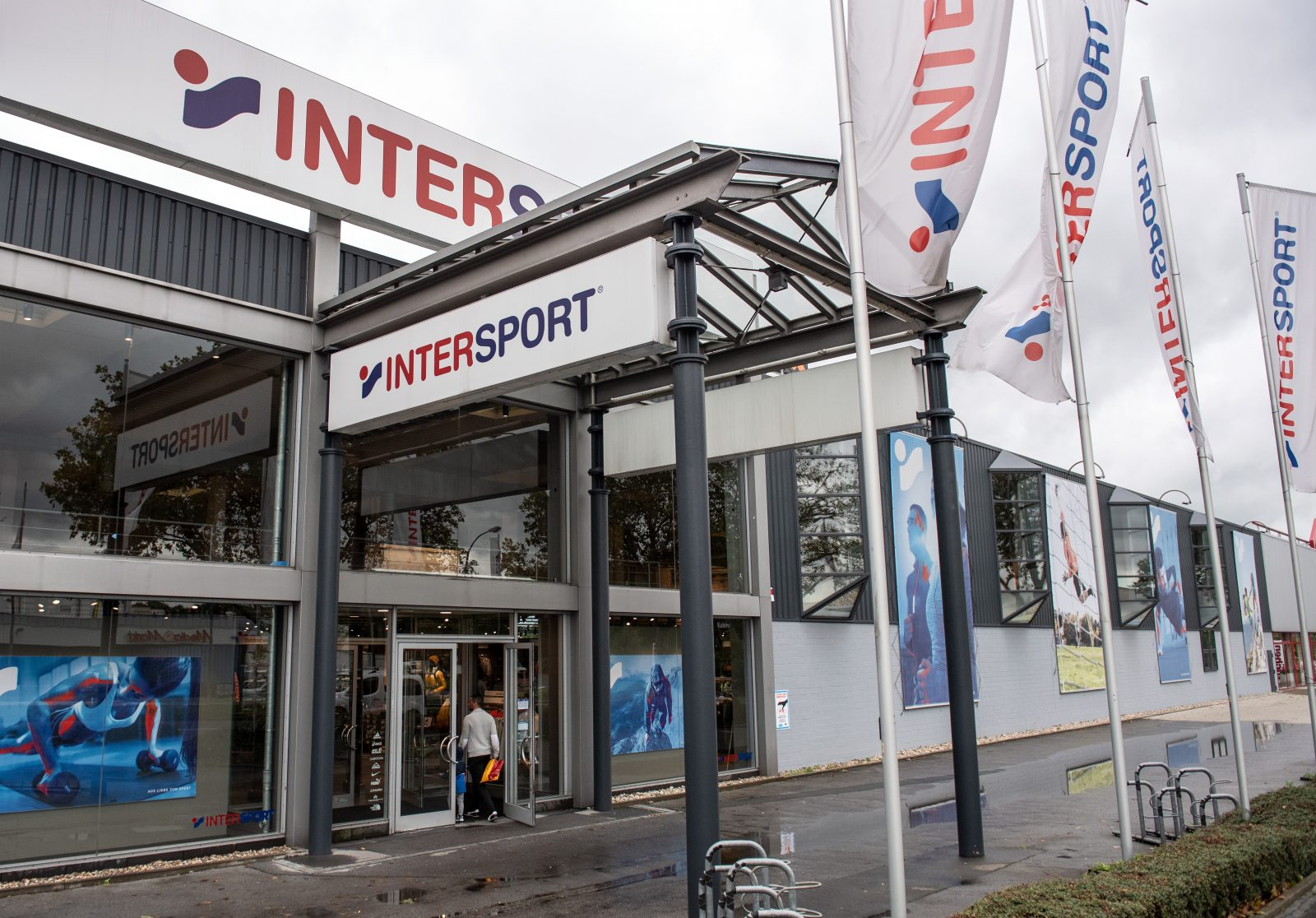 """Intersport""-Filiale"