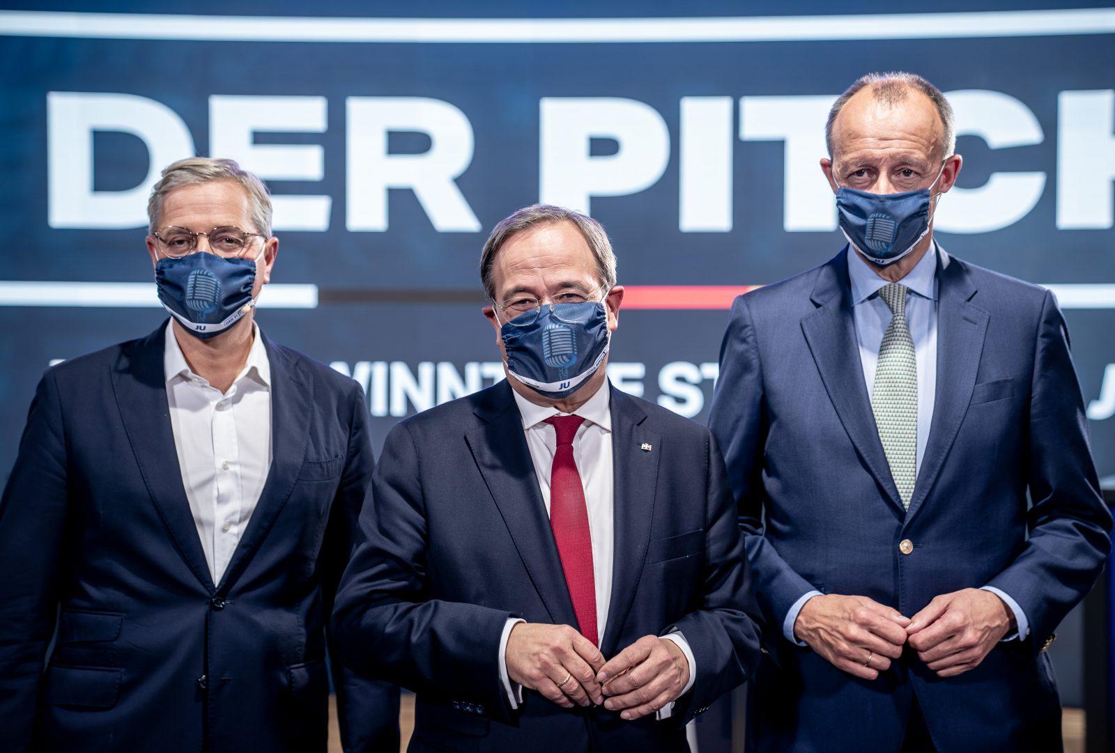 Die drei Kandidaten auf den CDU-Vorsitz Armin Laschet (m.), Friedrich Merz (r.) und Norbert Röttgen (l.)