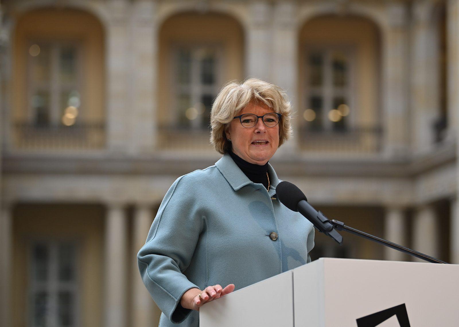 Kulturstaatsministerin Monika Grütters (CDU): Eine Gedenkstätte zu deutschen Verbrechen im Zweiten Weltkrieg sei ein wichtiges erinnerungspolitisches Vorhaben