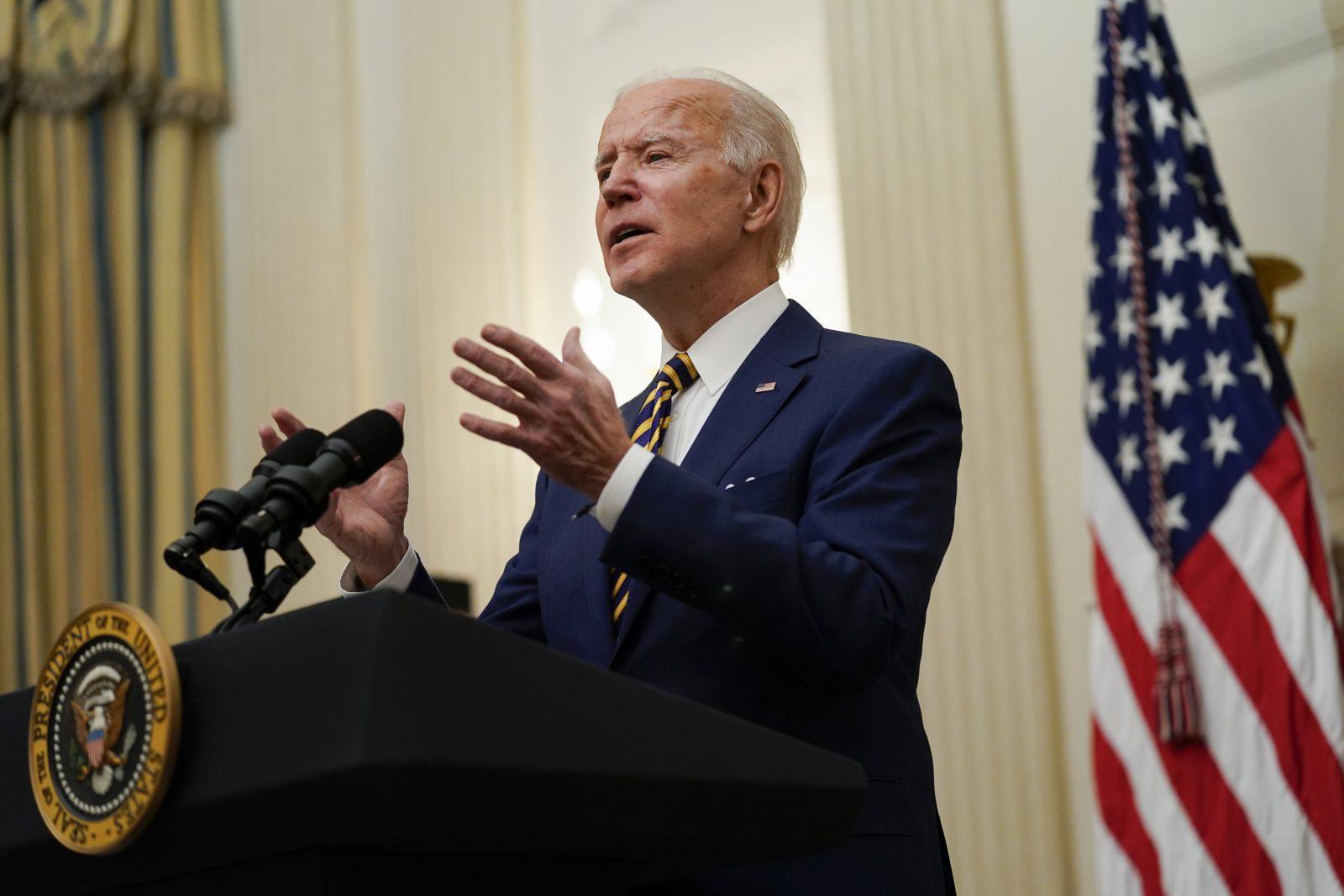 US-Präsident Joe Biden hebt den Beschluß seines Vorgängers Donald Trump zu Transgendern im US-Militär auf Foto: picture alliance / ASSOCIATED PRESS | Evan Vucci