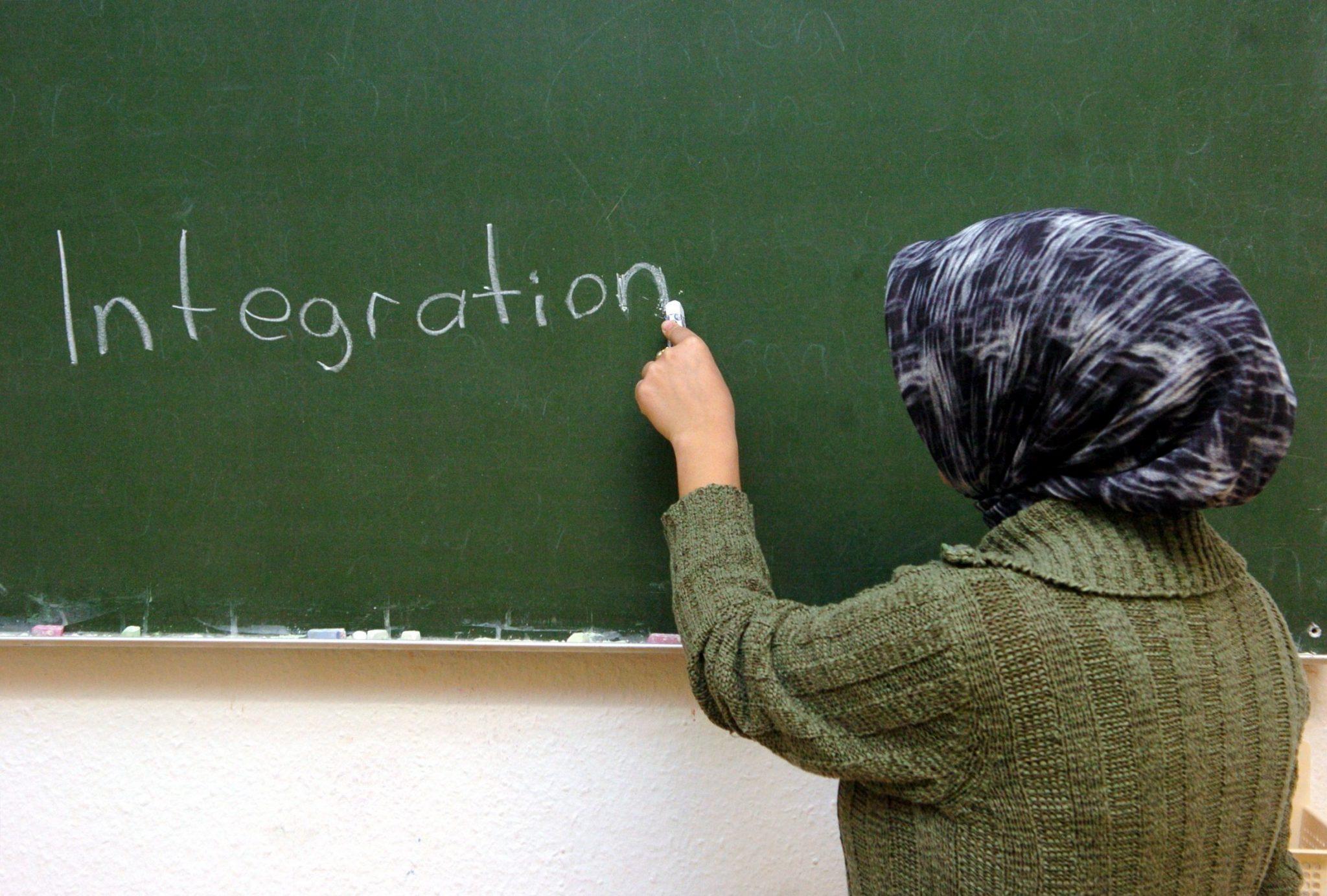 Berliner Lehrerverbände äußern ihre Ablehnung gegenüber Lehrerinnen mit Kopftuch (Symbolbild) Foto: picture-alliance/ dpa | Patrick Lux