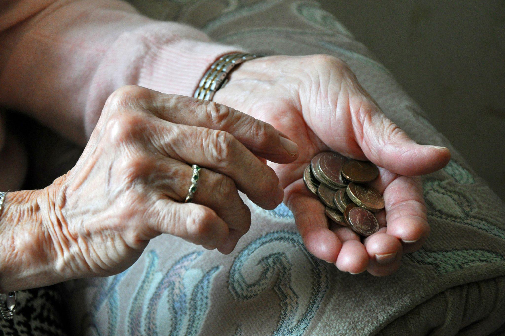 Altersarmut (Symbolbild): Die Zahl der Personen, die von Armut bedroht ist, hat sich seit 2009 verdoppelt