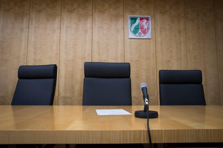 Das Oberverwaltungsgericht Nordrhein-Westfalen verhindert Abschiebungen nach Griechenland (Symbolbild) Foto: picture alliance / Friso Gentsch/dpa | Friso Gentsch