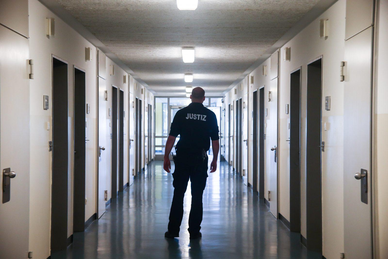 Die Versorgung ausländischer Häftlinge in Hamburger Gefängnisses kostet 70 Millionen Euro (Symbolbild) Foto: picture alliance / Ulrich Perrey/dpa | Ulrich Perrey
