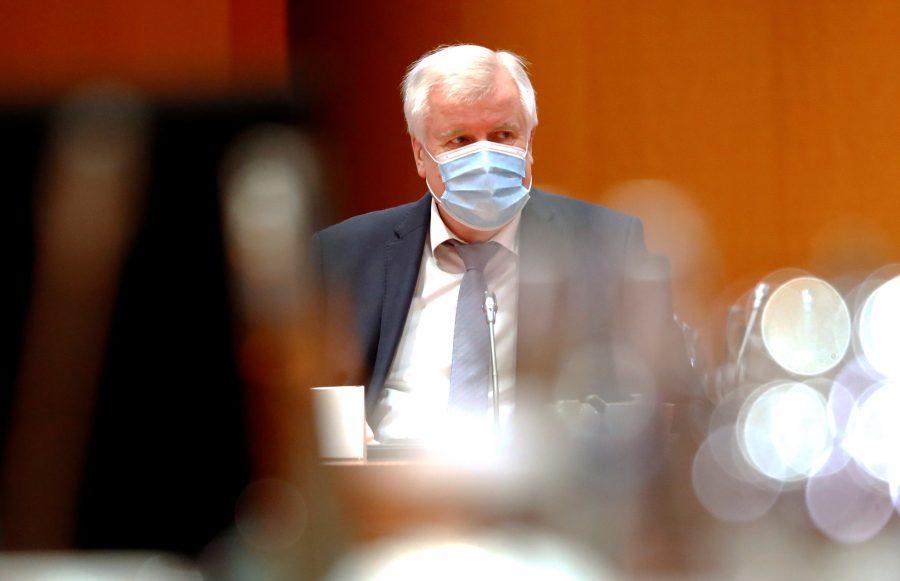 Innenminister Horst Seehofer (CSU): Opposition fordert Klarstellung wegen Corona-Politik