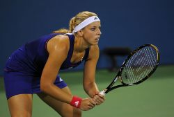 800px-Sabine_Lisicki_at_the_2010_US_Open_01